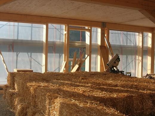 Agriturismo il filo di paglia costruire una casa di paglia casa di paglia costi casa di paglia - Costruire casa in legno costi ...